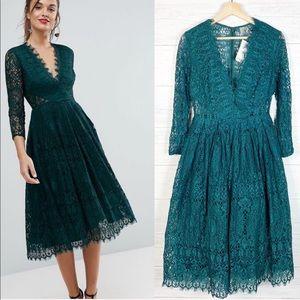 ASOS • NWT Green Lace Long Sleeve Midi Dress 6